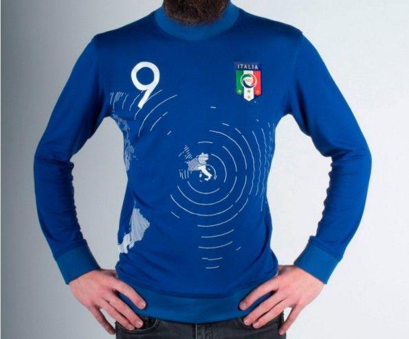 Omaggio agli italiani nel mondo, la maglia della Nazionale di Paolo Del Vecchio