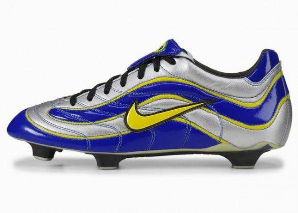 Le prime scarpe Mercurial del 1998
