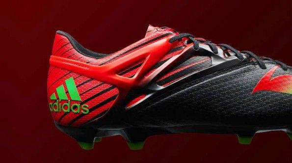 Look dark Messi15 scarpe