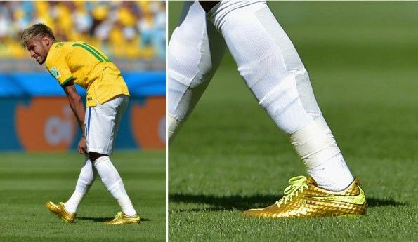 Neymar scarpe Hypervenom gold
