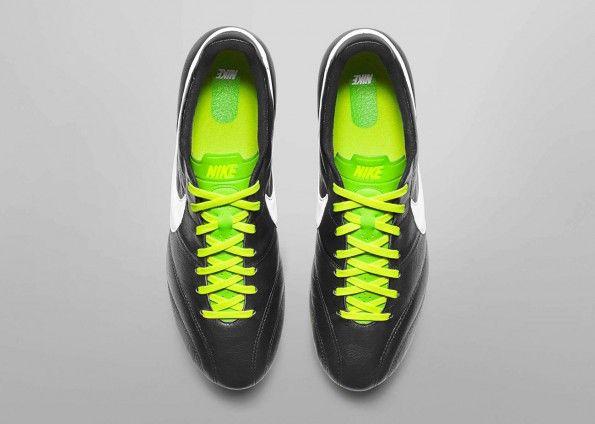 Nike Premier - Nike Tiempo Legend IV 2013