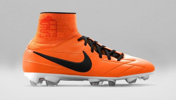 Nike T90 Laser IV con Dynamic Fit Collar