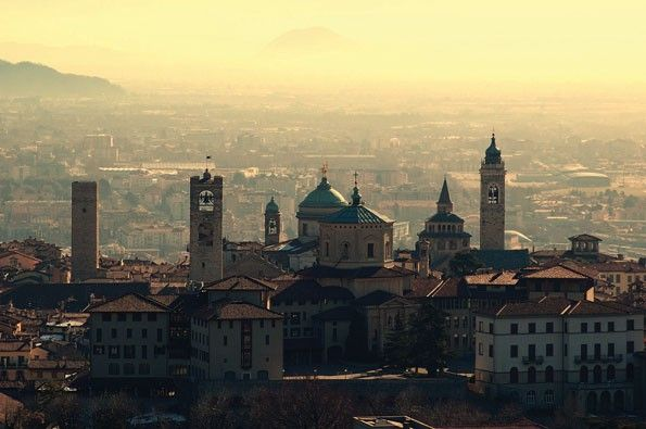 Bergamo, Città Alta, skyline