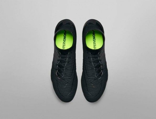 Hypervenom Phantom II total black