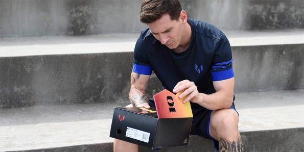 Messi con le scarpe 10/10 di adidas
