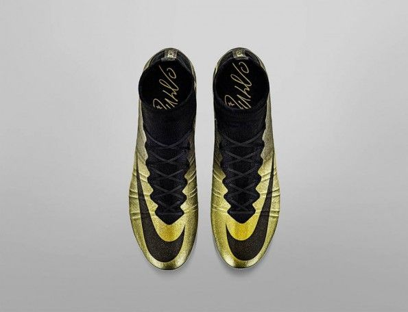 Mercurial Superfly CR7 dorate nere