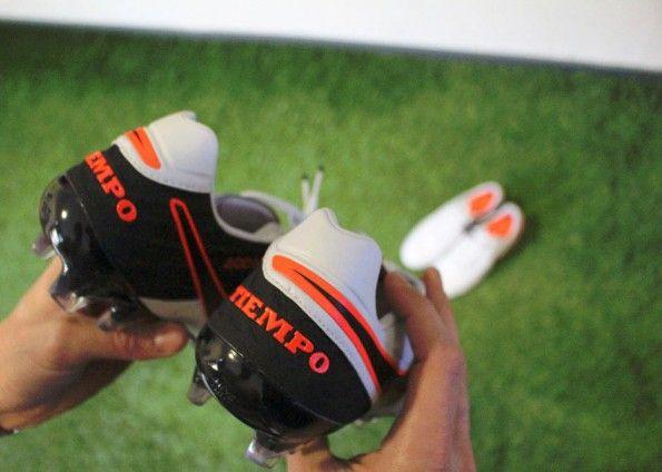 Il tallone delle nuove Nike Tiempo 6
