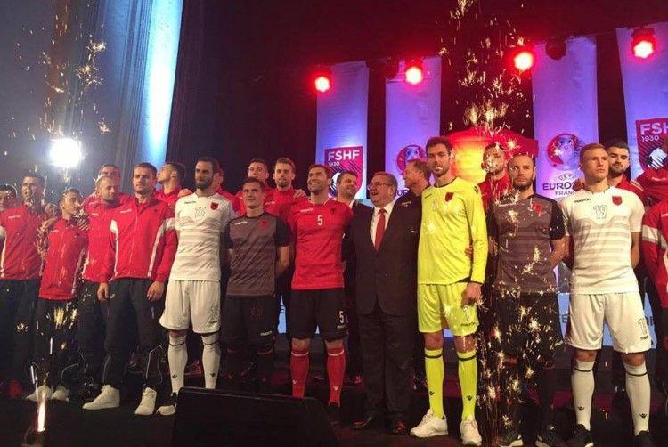 Presentazione ufficiale maglie Albania Europei 2016