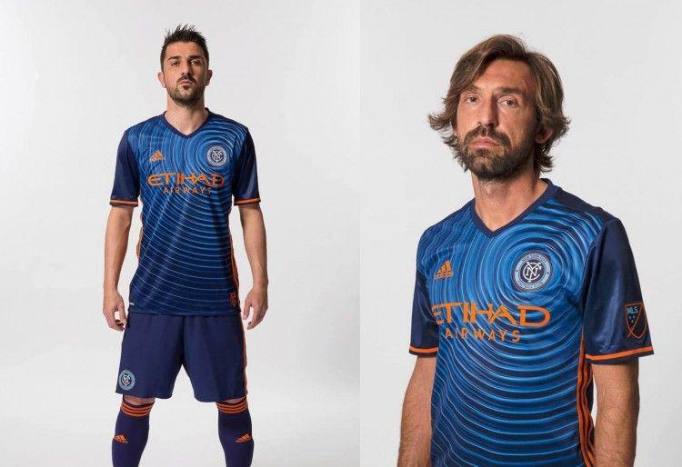 Villa e Pirlo con la maglia away 2016 del New York City