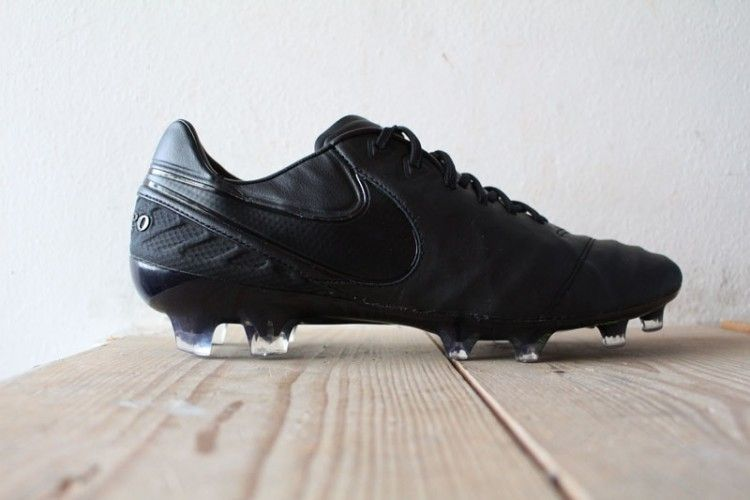 Nike Tiempo Legend VI total black