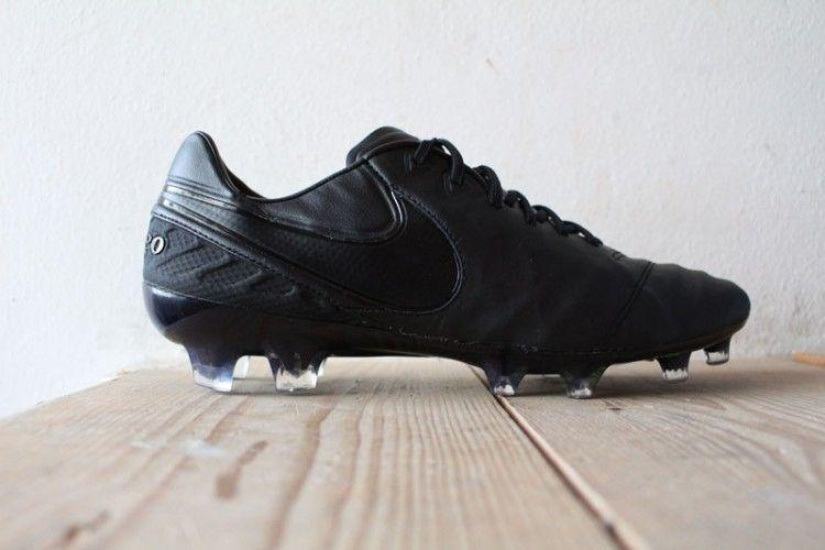 Nike Tiempo Legend VI total black