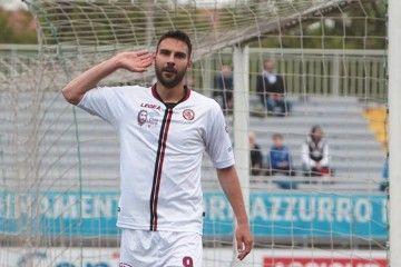 Novara-Livorno maglia per Morosini