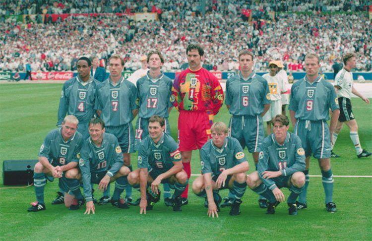 La seconda maglia dell'Inghilterra a Euro 1996