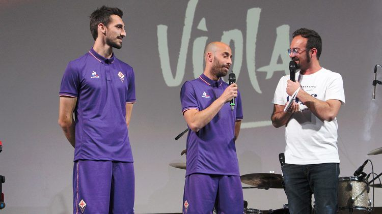 Borja Valero e Astori con la divisa della Fiorentina 2016-17