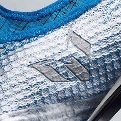 Il logo di Leo Messi sulle scarpe MESSI16