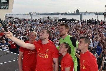 Presentazione kit Liverpool 2016-17