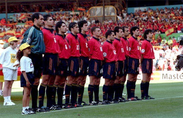 Spagna - Europei 1996 kit adidas