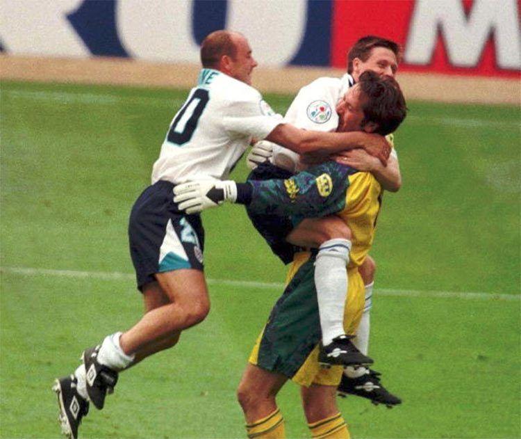 Euro 1996, l'Inghilterra fa festa dopo i rigori con la Spagna