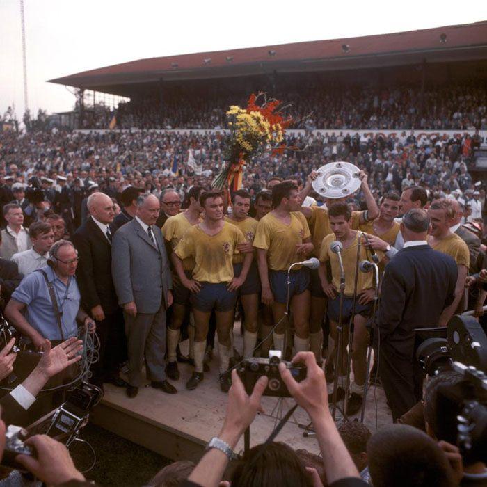 Eintracht Braunschweig 1966-1967, premiazione vittoria Bundesliga
