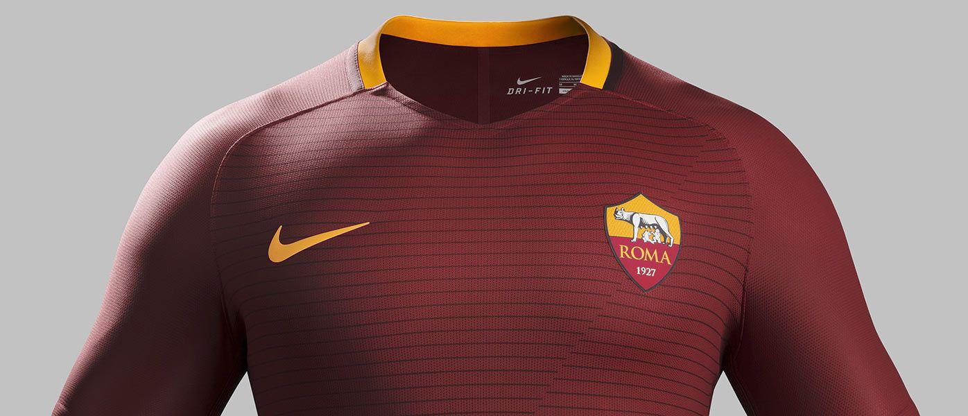 Presentazione maglia AS Roma 2016-17