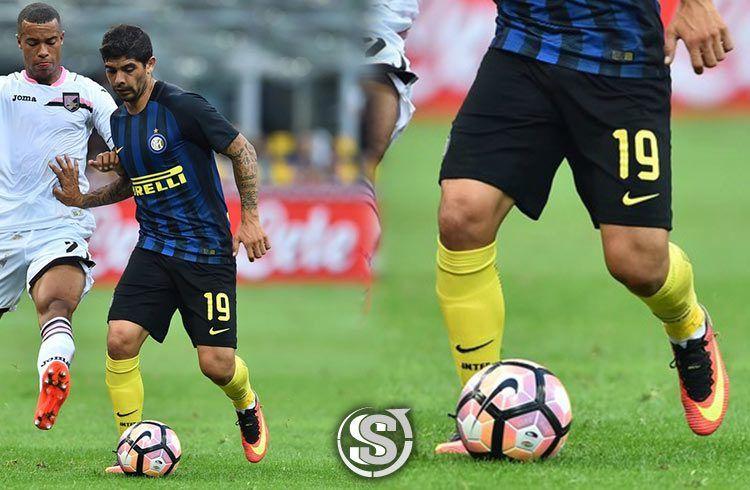 Ever Banega (Inter) - Nike Mercurial Vapor XI