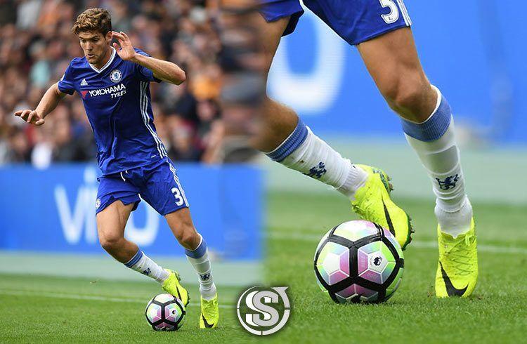 Marcos Alonso (Chelsea) - Nike HyperVenom Phinish