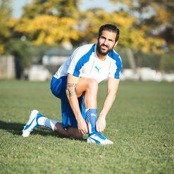 Cesc Fabregas indossa le evoTouch bianco-blu