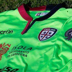 Maglia Cagliari con stemma Chapecoense