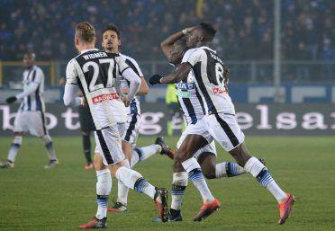 Maglie Udinese con il nastro bianco