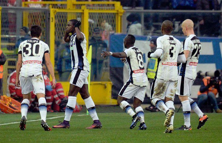 Zapata esulta dopo il gol in Atalanta-Udinese