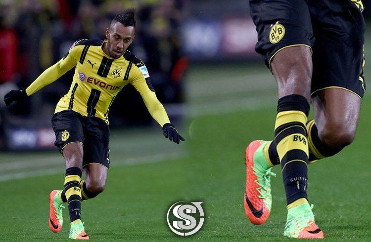 Pierre Aubameyang (Borussia Dortmund) - Nike HyperVenom Phantom 3