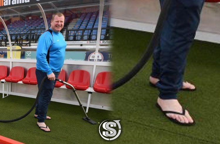 Wayne Shaw (Sutton FC) - Infradito no brand