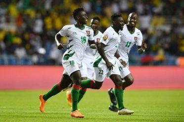 Divisa Guinea-Bissau away 2017 bianca
