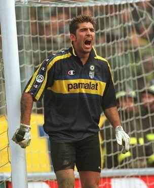 Buffon 1999-2000 maglia blu-giallo