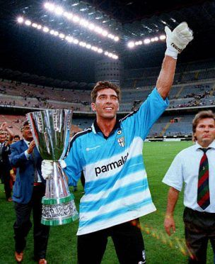 Buffon vittoria Supercoppa Italiana 1999-2000