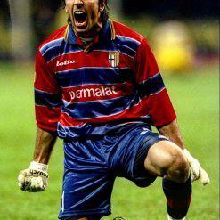Buffon vittoria Coppa Uefa 1998-99, maglia rossoblù