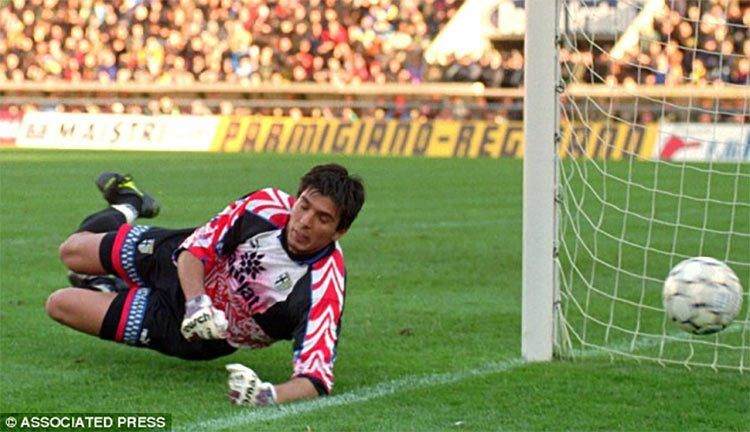 Gianluigi Buffon, esordio in Parma-Milan 1995-96