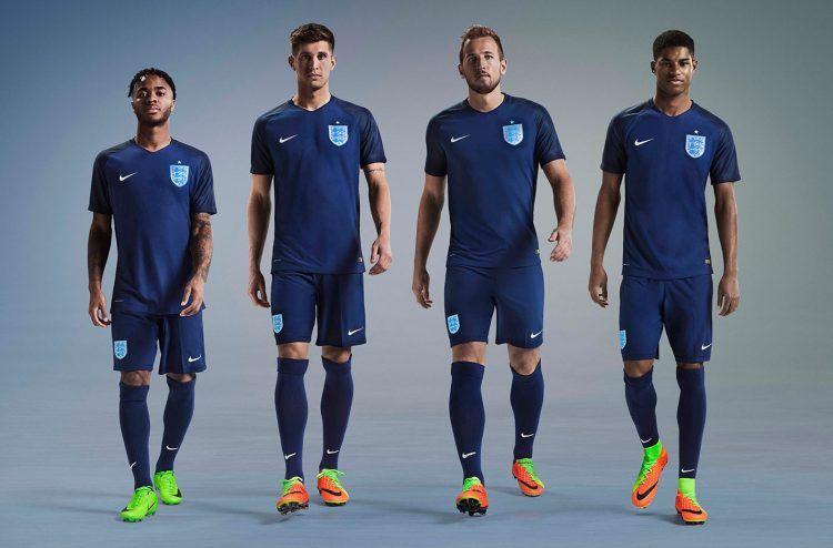 Divisa trasferta Inghilterra 2017 Nike