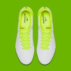 La tomaia delle Nike Magista Opus bianco-giallo