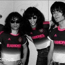 The Ramones divise adidas Rock