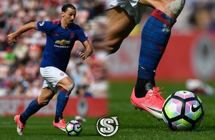 Zlatan Ibrahimovic (Manchester United) - Nike Mercurial Vapor XI