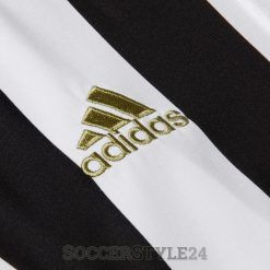 Logo adidas dorato maglia Juventus