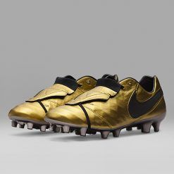 totti-roma-capitano-scarpe