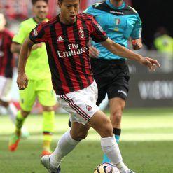 Honda con la nuova divisa del Milan 2017-18