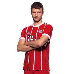 Thomas Muller con la divisa del Bayern 2017-18