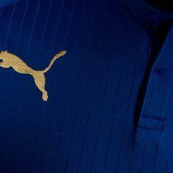 Logo Puma in oro, divisa Leicester