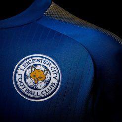 Dettaglio stemma Leicester maglia 2017-2018