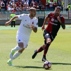 Borriello con la divisa del Cagliari 2017-18