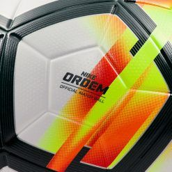 Nike Ordem 5 pallone ufficiale