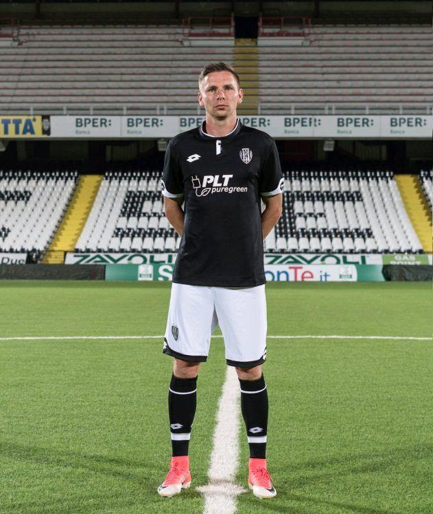 Seconda maglia Cesena 2017-2018 nera
